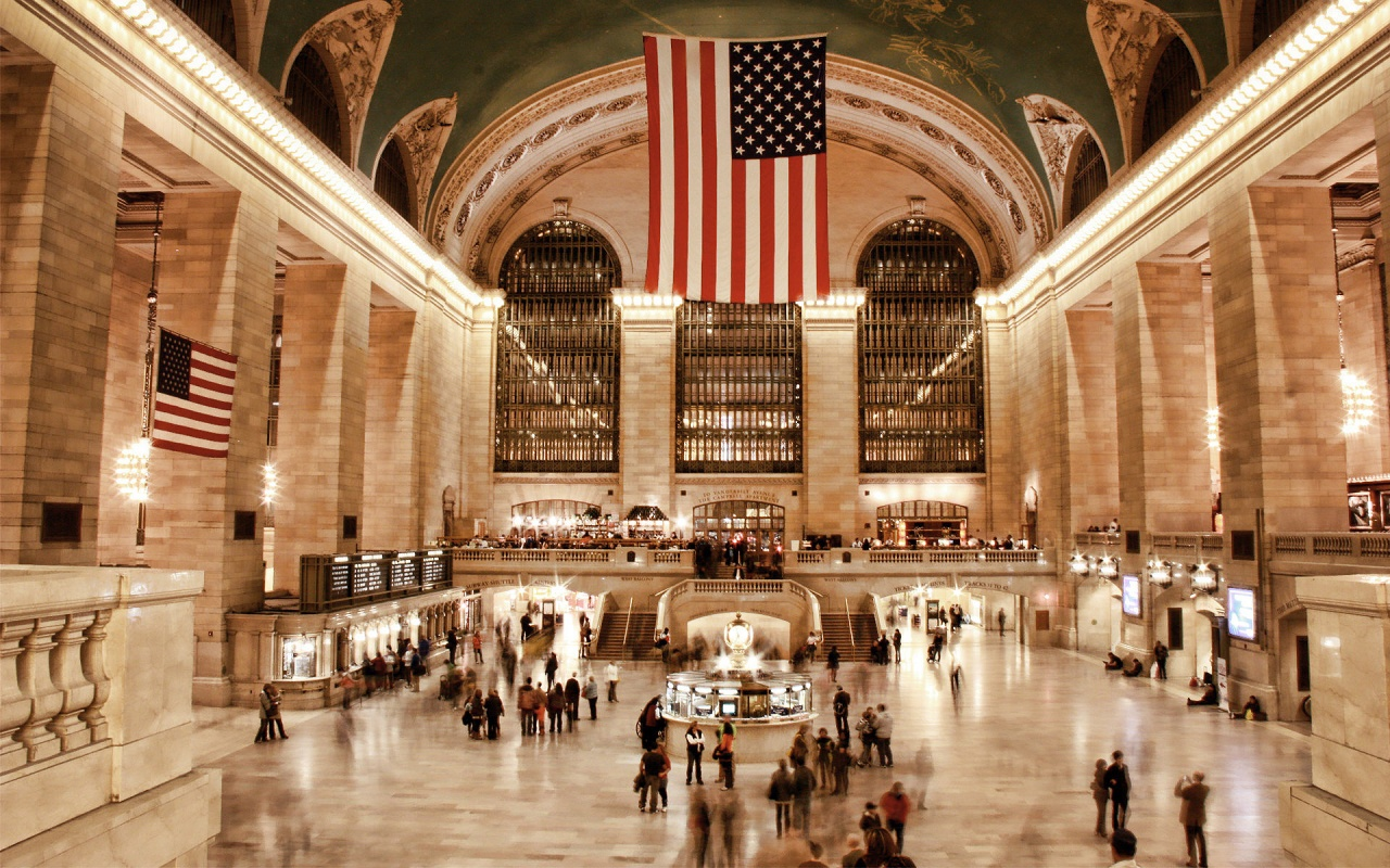 The Concourse, Grand Central Terminal in the early morning.