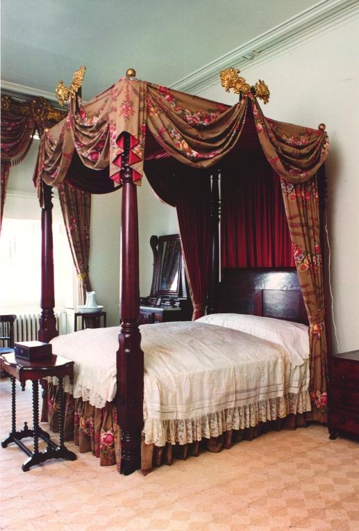 18.a rear bedroom